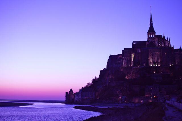 Mont Saint Michel - Esperamos 3 horas até a hora que eles acendem as luzes do castelo