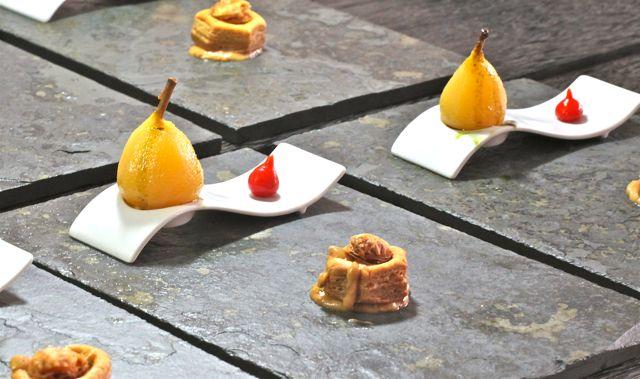 Mini Pera com L'huile de pépins de citrouille da Stiria Vol-au-vent com Roquefort