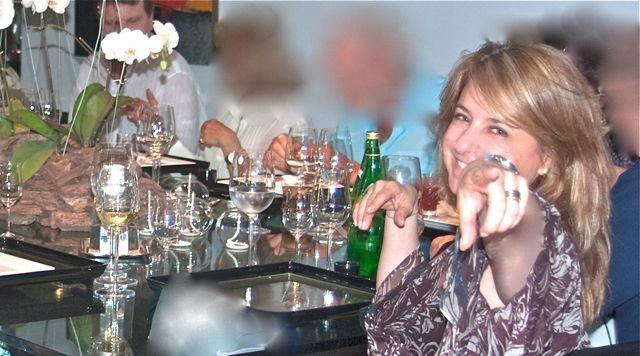 Mangia che te fa benne! Compartilhar a mesa é comemorar a vida. É um ritual para os italianos, pois trata de uma relação quase ancestral entre a comida e os momentos de prazer e familiaridade onde a mesa é usada como arma de sedução e conquista.