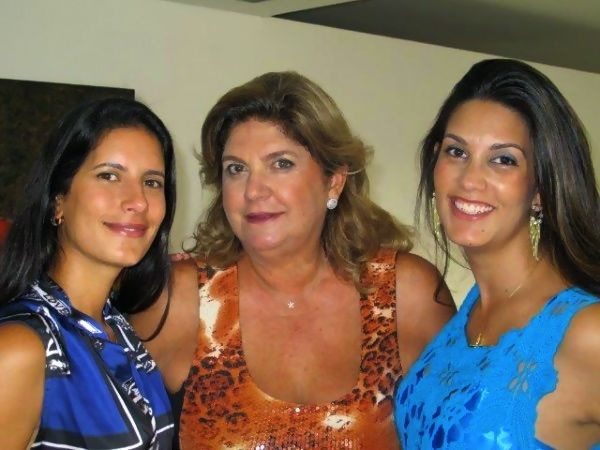 Sheila e as lindas filhas