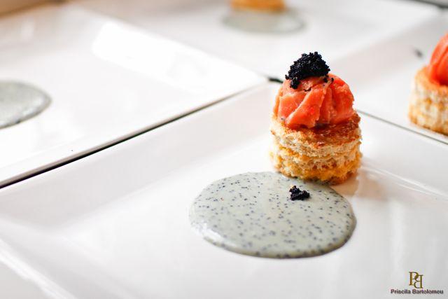 MESA Ballotine de Salmão com Gema perfeita Caviar e Velouté de Limão