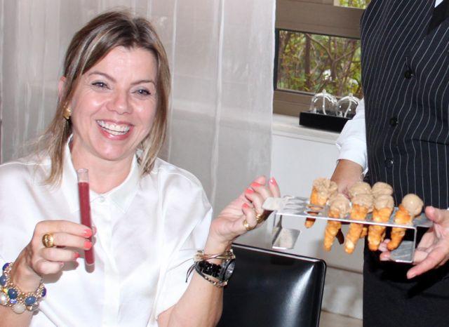 Pre-dessert Sopinha de Frutas vermelhas Sorvete trufado de Balsâmico com Pignole