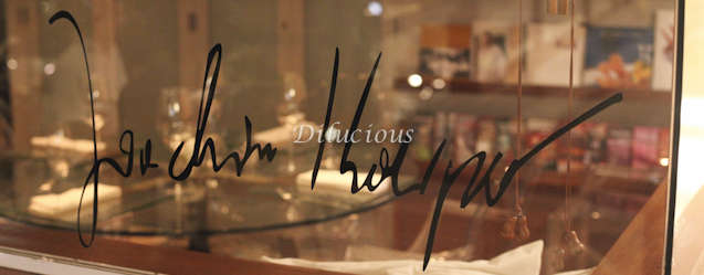Sua assinatura na entrada do restaurante
