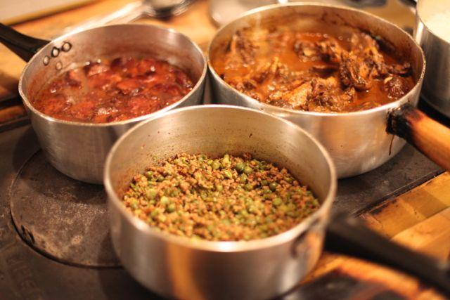 Alta gastronomia servida nas próprias panelas
