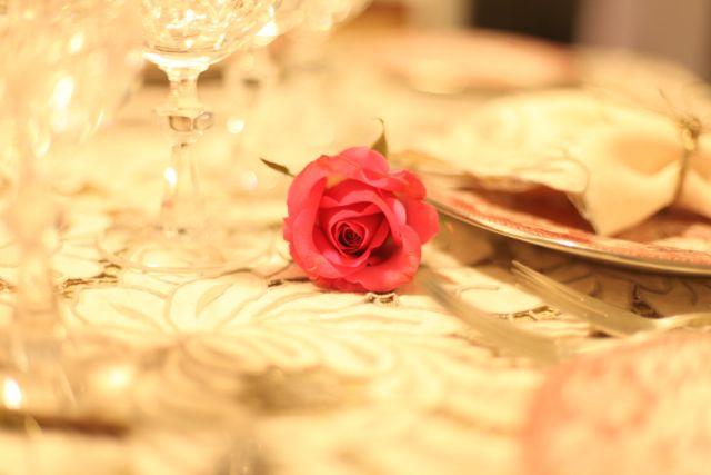 Carinho... uma rosa para cada uma das mulheres!