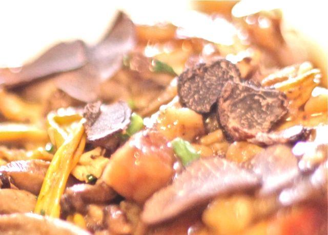Chapon Boulannais sauce trufée, marrons et purée Maison