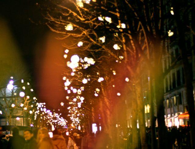 Avenue Montaigne em direção a Torre Eiffel