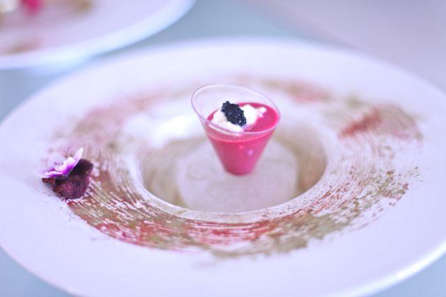 No cardápio, cada prato da degustação traz uma harmonização de vinho