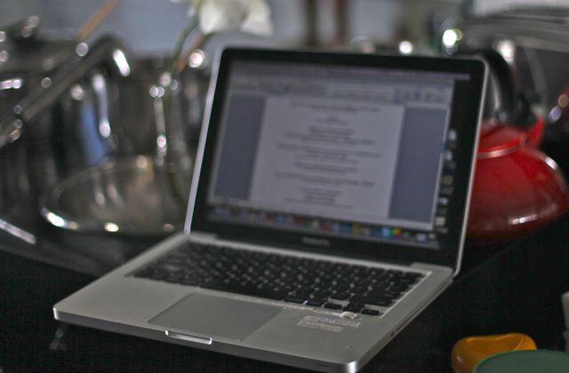 Computador, cozinha, receitas, fotos, criatividade...