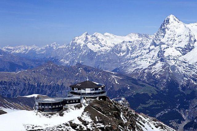 18. Piz Gloria (Mürren, Suíça) Fonte: schilthorn.ch