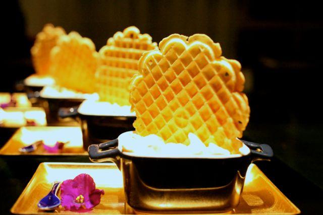 Merengue de Coco com Waffle