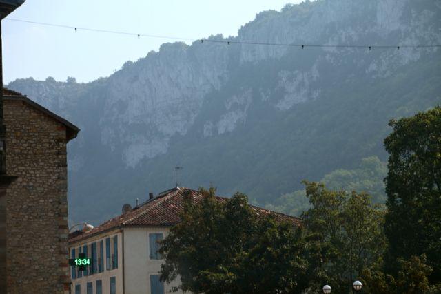 Saint Antonin casa e montanha