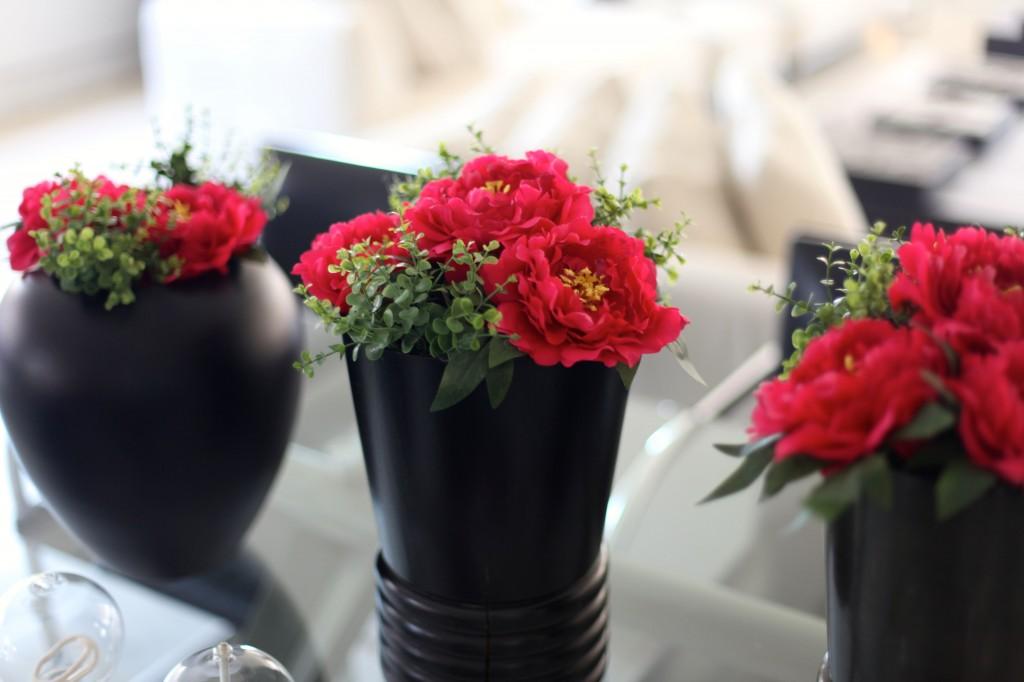 Me lembrei desses porta guardanapos e não deu outra: Flores para enfeitar a casa