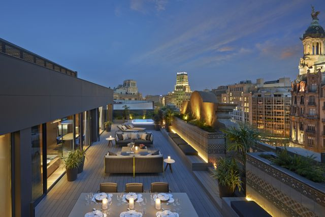 20.Mandarin Oriental Suite Outdoor Terrace
