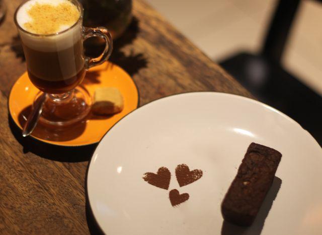 Apesar de pela foto não transparecer, foi o melhor da tarde. Maravilhoso brownie de chocolate com caramelo artesanal.