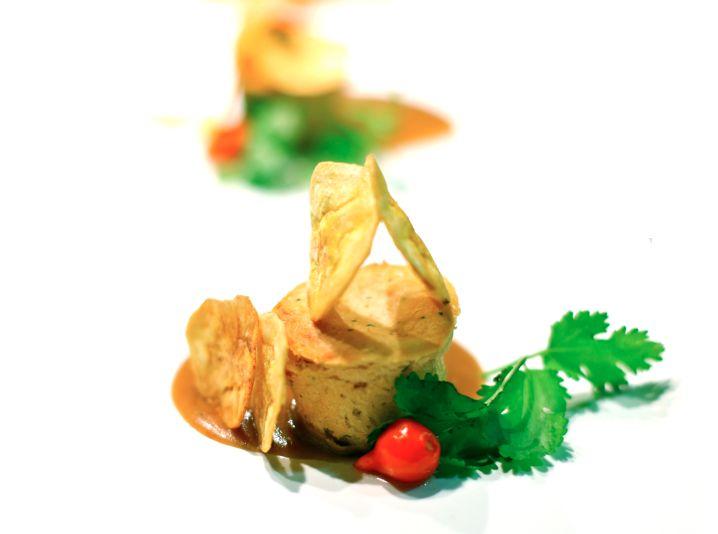 Petit gateau de mandioca com Carne seca e Chips de Banana (Dilu)