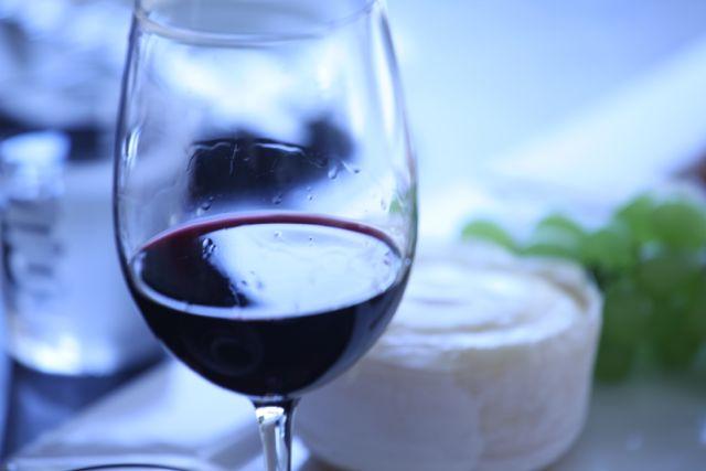Queijo com vinho