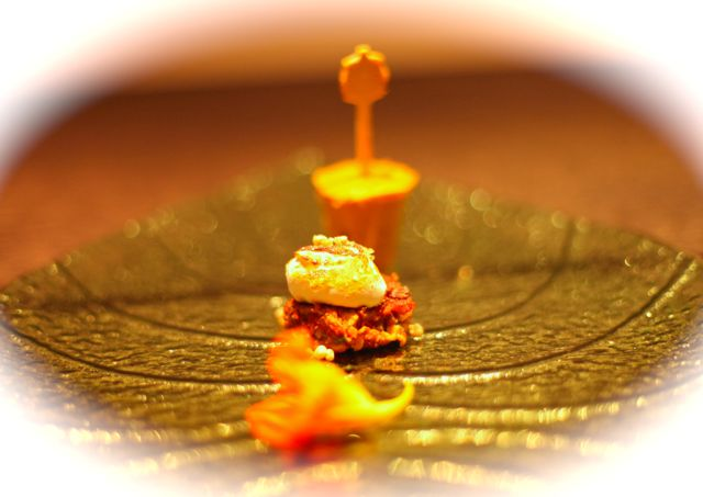 Picolé de Pequi Blinis de Carne seca Marsmallow Brülée Caviar de Quiabo