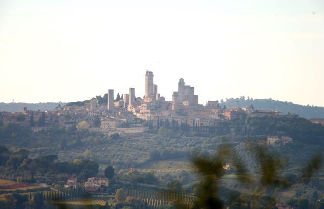 San Gimignano de longe
