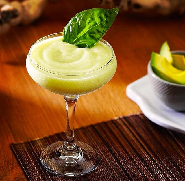 tequila-de-abacate