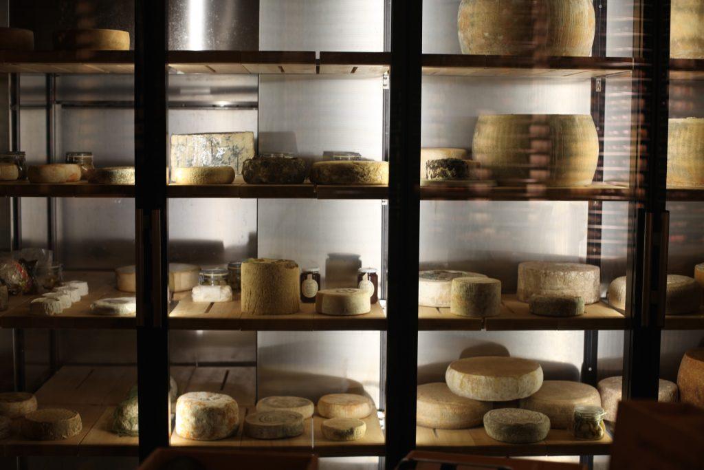 ciau-del-tornavento-adega-de-queijos